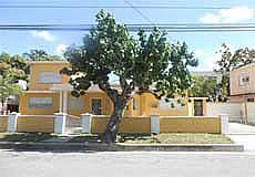 Amarilla House Photos