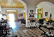 Colonial House Sarahi Santander Photos 6